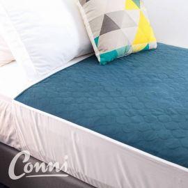 Conni wasbare matrasbeschermer blauw   met instopstroken